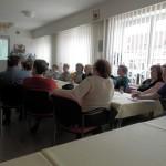 Poradce SOS MaS, z.s., z poradny ve Křtinách přednášel v Domově pro seniory v Hustopečích u Brna spotřebitelskou problematiku.