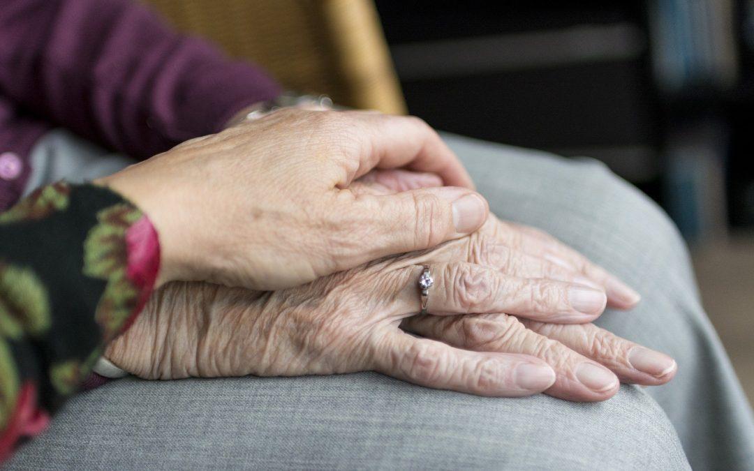 Dnes je světový den proti násilí na seniorech